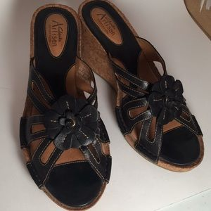 EUC Clarks Artisan Collection 7M Wedge Sandals